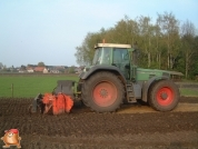 Fendt 916 met Agrator frees