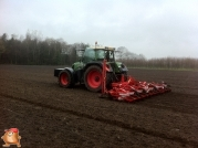 Fendt 818 met Accord bieten zaaimachine